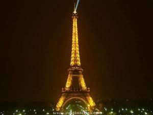 (.)PARIS(.)
