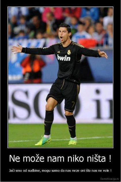 Cristiano Ronaldo   Broj: 7 Rođen: 05.02.1985. Mesto rođenja: Madeira, Portugal Nacionalnost: portugalska Igra u klubu od: 01.08.2009. Horoskopski znak: vodolija Visina: 185 cm Težina: 80 kg  Kristijano Ronaldo dos Santos Aveiro (port. Cristiano Ronaldo dos Santos Aveiro; rođen 5. februara 1985. u Funšalu), poznatiji kao Kristijano Ronaldo je portugalski fudbaler, koji trenutno igra za Real Madrid u Španiji.  Rođen je na portugalskom ostrvu Madeira. Odrastao je sa majkom Marijom Dolores dos Santos Aveiro (port. Maria Dolores dos Santos Aveiro), ocem Žozeom Dinisom Aveirom (port. José Dinis Aveiro, 1954–2005), koji je umro dok je Ronaldo imao meč protiv Rusije sa reprezentacijom Portugala, starijim bratom Hugom(1975) i dve sestre, Elmom i Lilianom Katiom. Njegovo ime, Ronaldo, jako je retko u Portugalu, a dobio ga je po američkom predsedniku Ronaldu Reganu, koji je imače bio i omiljeni glumac Ronaldovog tate.  Počeo je da igra fudbal već sa tri godine