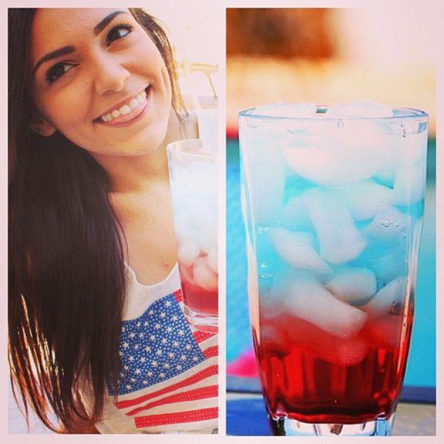 Bethany Mota layered drinks